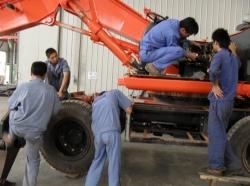 神钢挖掘机维修