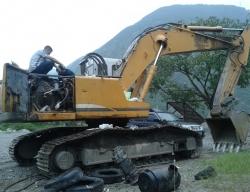 现松挖掘机维修
