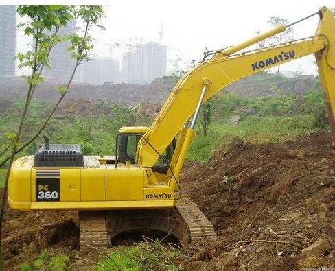 小松360挖掘机挖土没劲